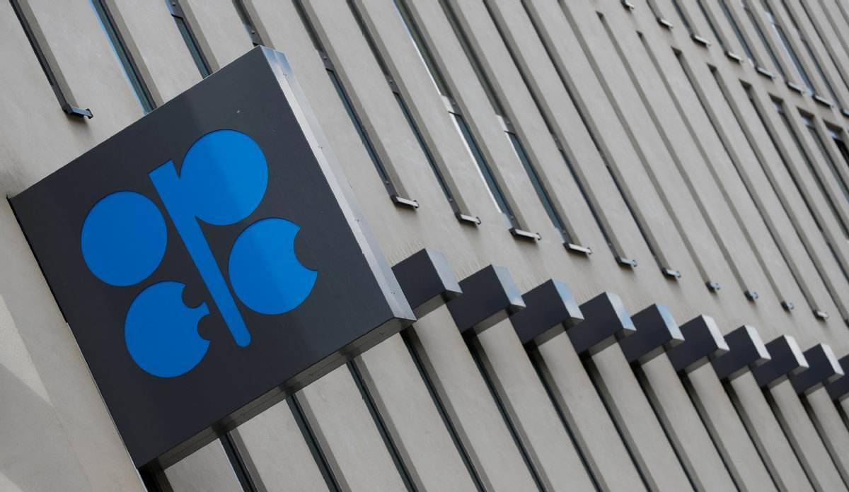 两大原油期货本月累计涨超25%欧佩克+会议改在12月3日举行